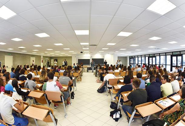 University of cassino and southern lazio cassino italia - In diversi paesi aiutano gli studenti universitari ...