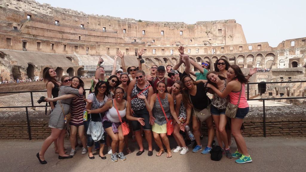 40110_swiss_school_of_management_colosseum.jpg