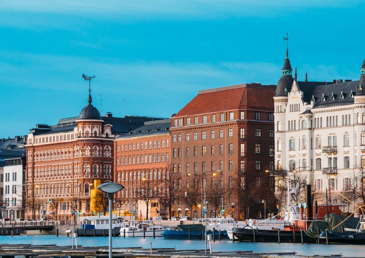 109807_helsinki-finland-view-of-pohjoisranta-street-N2H5PA7-01.jpg