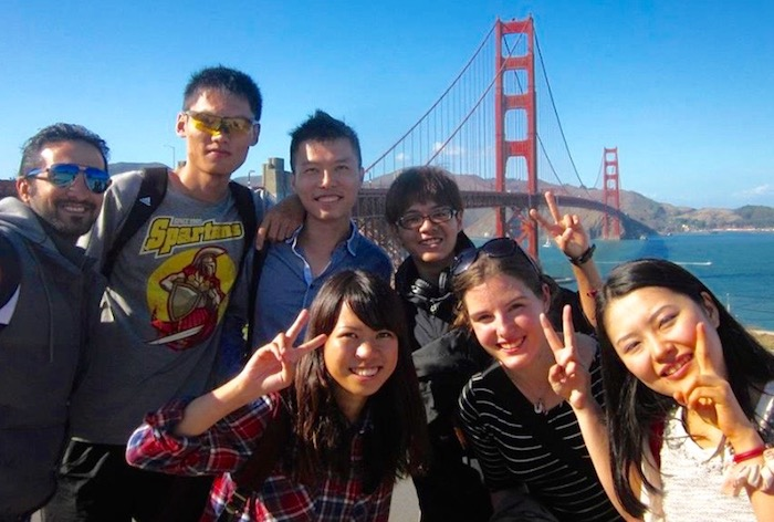 110394_110246_StudentsatGGBridge.jpg