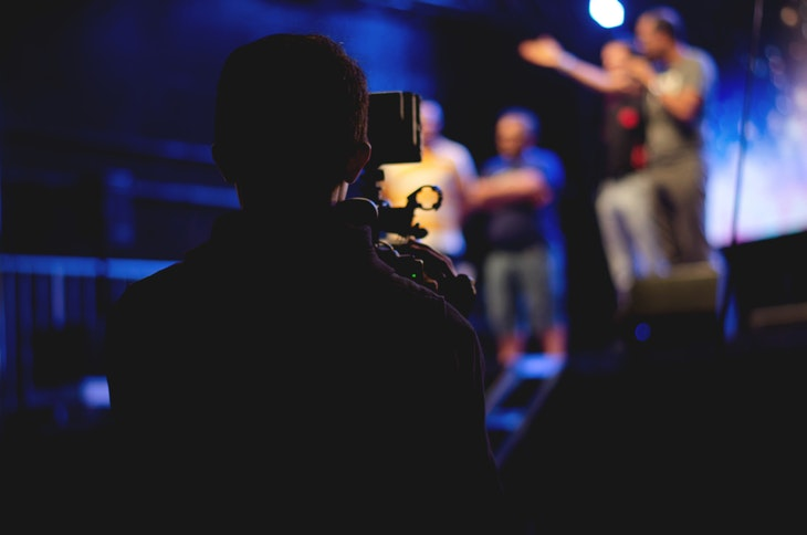 115059_audience-band-blur-1870438.jpg