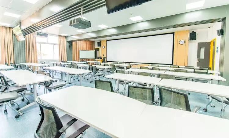 115709_classroom1.jpg