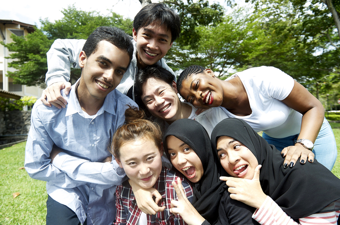 118742_Nilaiuniversity-Studentsingroup.jpg