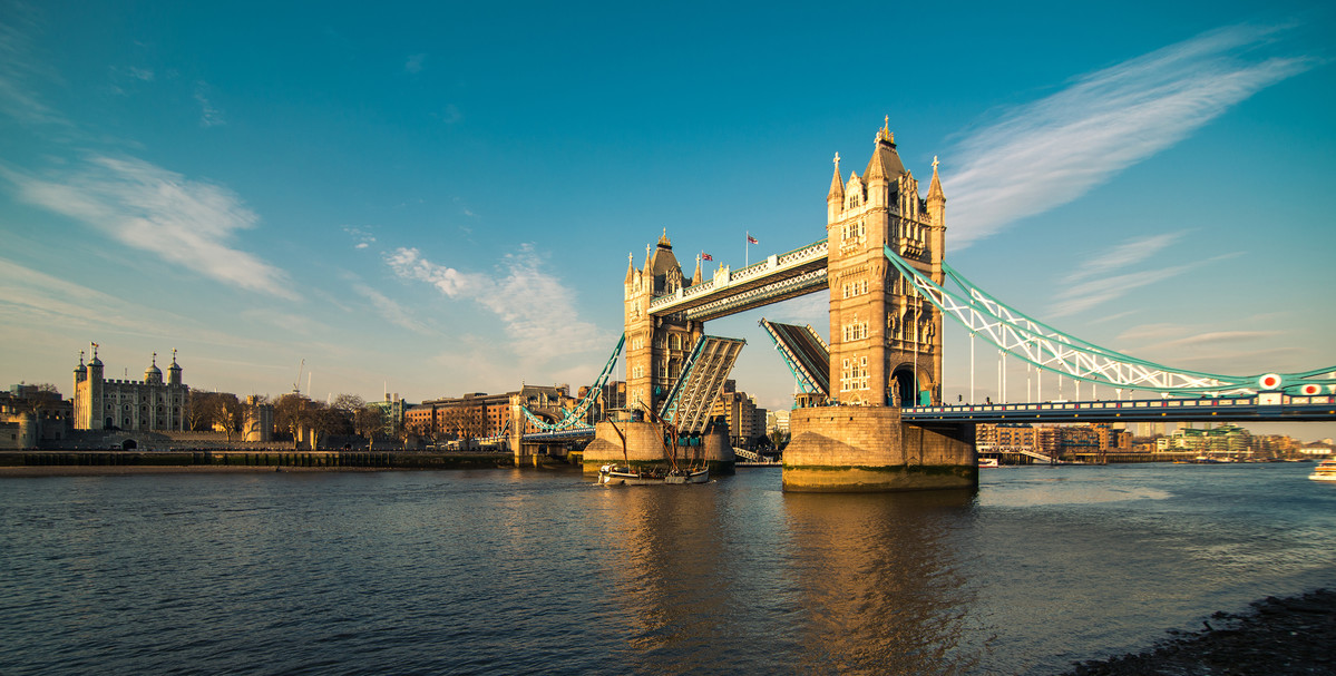 126458_8441_London01_BucksmoreHomelinguaPhotos_Hi-resBucksmoreHomelinguaLocationphotos.London_TowerBridge..jpg